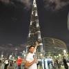 Эдмар возле 828-метрового небоскреба в Дубаи